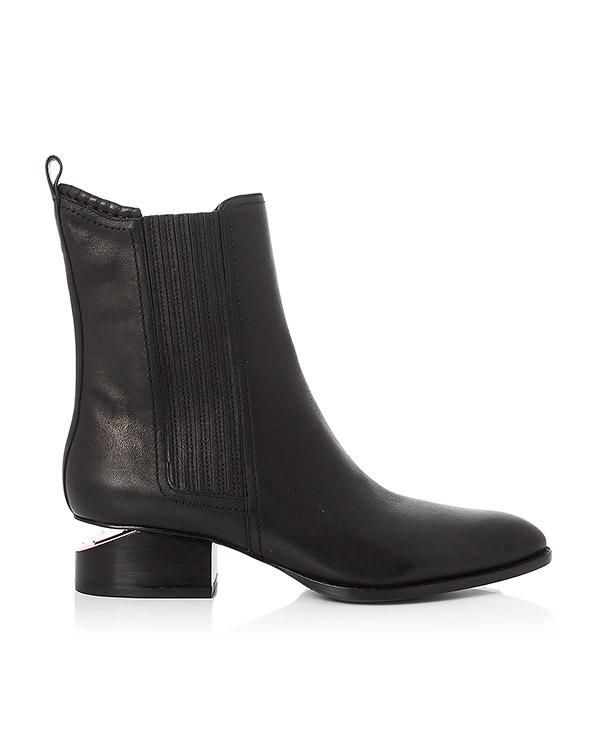 ботинки из натуральной кожи с фирменным скошенным каблуком артикул 306126 марки Alexander Wang купить за 52100 руб.
