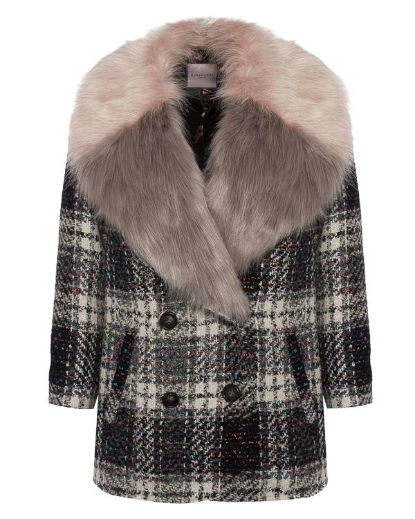 пальто из букле с отделкой воротника декоративным мехом артикул BJ16045 марки Urbancode купить за 35900 руб.