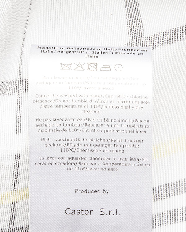 женская шорты Caterina Gatta, сезон: лето 2016. Купить за 45400 руб.   Фото $i