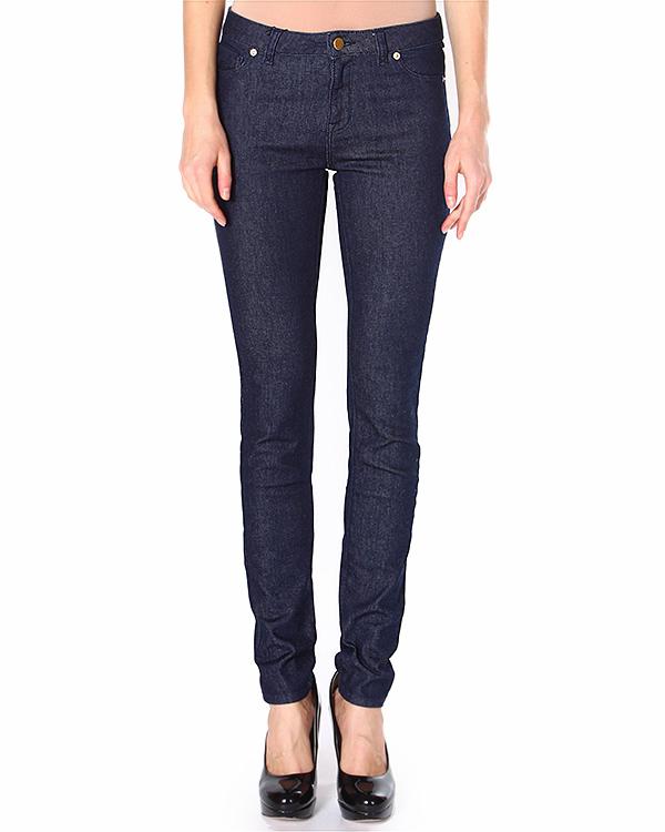 джинсы из комфортного эластичного денима с золотистой фурнитурой артикул FW14MK113J марки Maison Kitsune купить за 5300 руб.