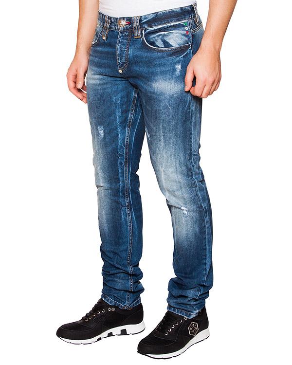 джинсы из плотного денима с потертостями артикул HM590457 марки PHILIPP PLEIN купить за 23800 руб.