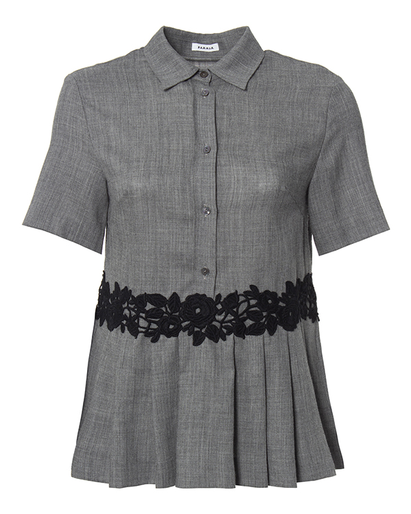 блуза приталенного кроя из мягкой вирджинской шерсти, украшена ажурной отделкой  артикул LEENA310191Z марки P.A.R.O.S.H. купить за 13300 руб.