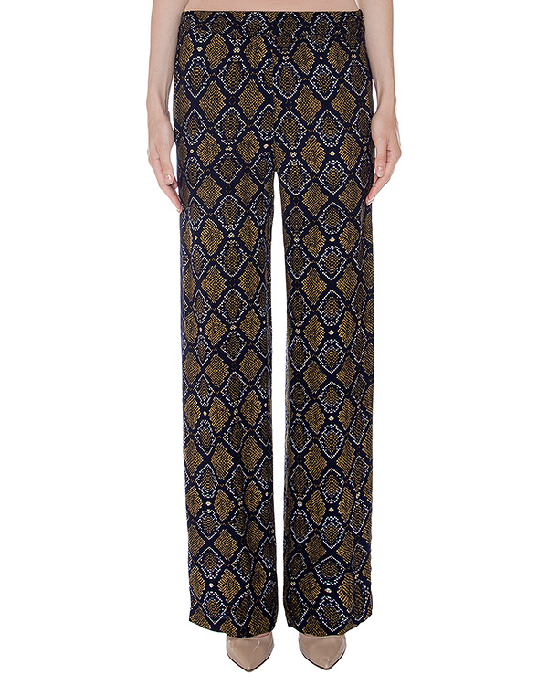 брюки прямого кроя из мягкой ткани с принтом под кожу рептилии артикул LEGION марки Essentiel купить за 6500 руб.