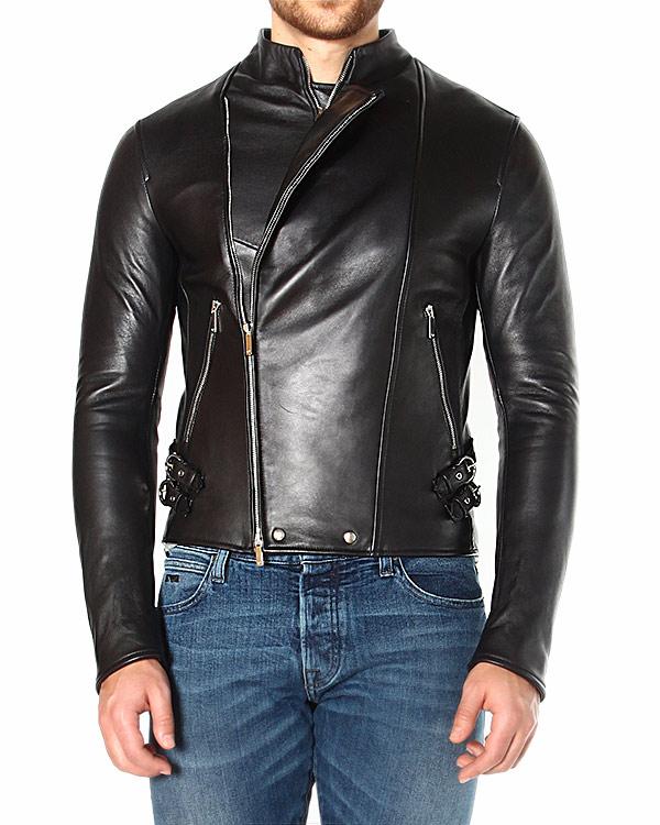 куртка из мягкой блестящей кожи, с диагональной застежкой и воротом-стойкой артикул P1R08P марки EMPORIO ARMANI купить за 48600 руб.