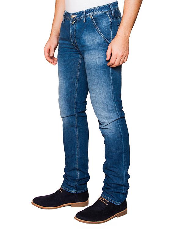 джинсы из плотного японского денима Kurabo; дополнены фирменным платком артикул PW613 марки Jacob Cohen купить за 14200 руб.