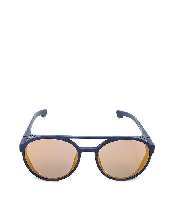 очки с шорами по бокам; выполнены из запатентованного материала Mylon; безвинтовой шарнир; ручная работа артикул TARGA марки MYKITA купить за 36400 руб.