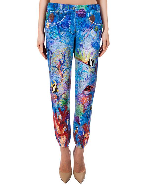 брюки из мягкого хлопка, стилизованы под джинсы; декорированы ярким абстрактным рисунком артикул TC67JF059 марки Tsumori Chisato купить за 16400 руб.