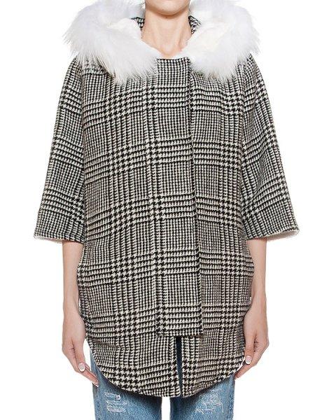 пальто из плотной шерсти с отделкой из натурального меха  артикул 14AAFW16 марки Ava Adore купить за 92200 руб.