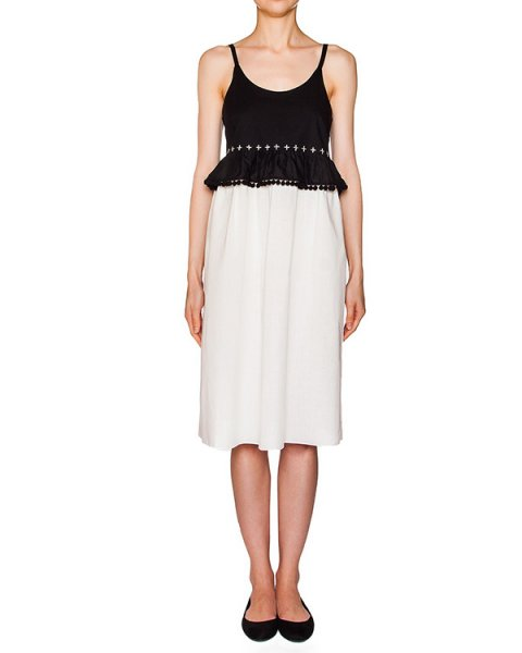 платье из тонкого хлопка, декорировано воланом на талии и тесьмой с помпонами  артикул 216 марки Holy Caftan купить за 8400 руб.
