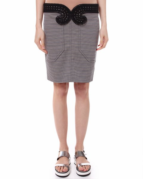 юбка в полоску прямого кроя с контрастной вышивкой артикул 550J120 марки Carven купить за 10200 руб.