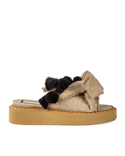 сандалии из плотной льняной ткани с кисточками артикул 8836 марки № 21 купить за 23000 руб.