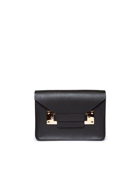 сумка из плотной матовой кожи с металлической фурнитурой артикул BG004LE марки Sophie Hulme купить за 25900 руб.