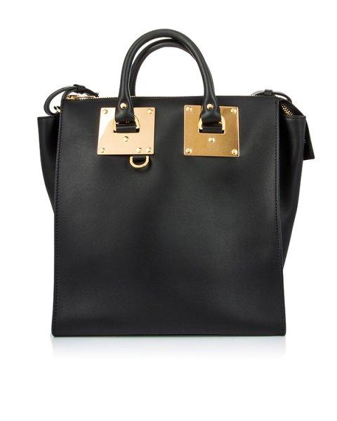 сумка из гладкой матовой кожи с металлической фурнитурой артикул BG180LE марки Sophie Hulme купить за 73600 руб.