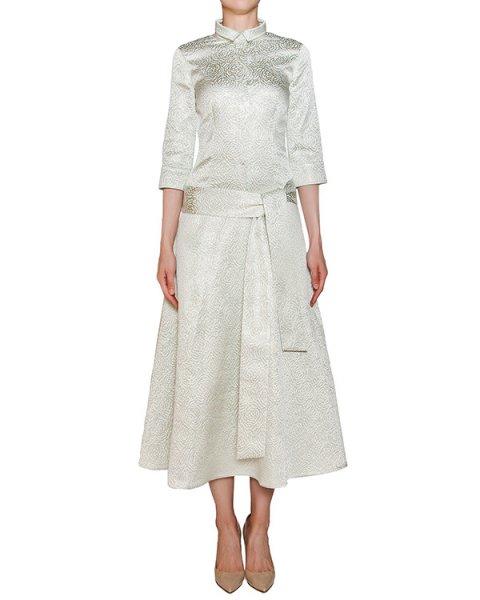 платье приталенного кроя из хлопка и шелка с фактурным золотистым узором, дополнено широким поясом артикул D08015016 марки Graviteight купить за 33800 руб.