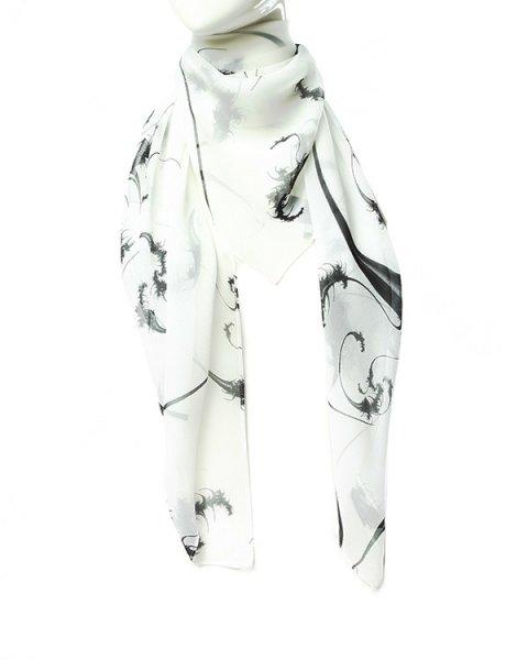 шарф из легкого полупрозрачного шелка с контрастным рисунком артикул D2SCF01 марки Thomas Wylde купить за 8400 руб.