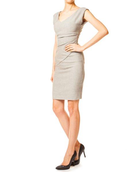 платье футляр лаконичного кроя со сборками, модель Bevin артикул D7046232 марки DIANE von FURSTENBERG купить за 5600 руб.