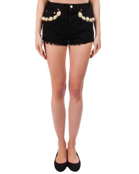 шорты из плотного потертого денима, декорированы крупными бусинами и цепью артикул FCSS1652 марки Forte Couture купить за 11600 руб.