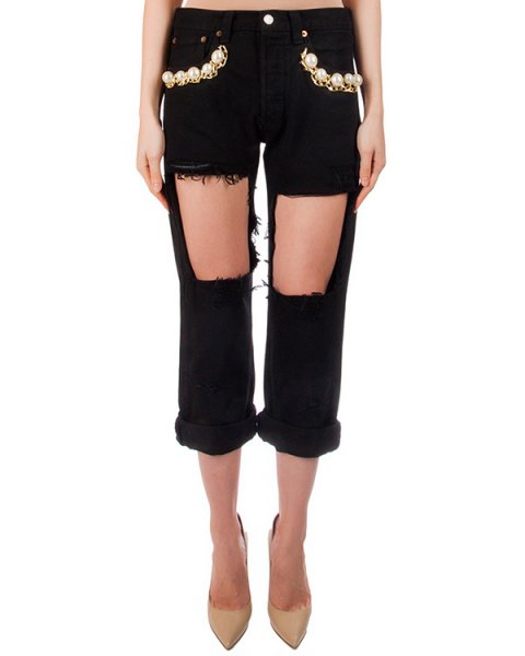 джинсы из плотного денима, декорированы вырезами; карманы украшены крупными бусинами и цепью артикул FCSS1661 марки Forte Couture купить за 23000 руб.