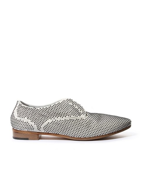 туфли из натуральной кожи, декорированы металлическими шипами артикул MW3625 марки Marsell купить за 52400 руб.