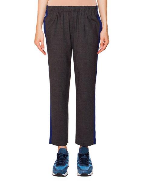 брюки в спортивном стиле из мягкого трикотажа с широкими контрастными лампасами артикул P5I044 марки SEMI-COUTURE купить за 10200 руб.