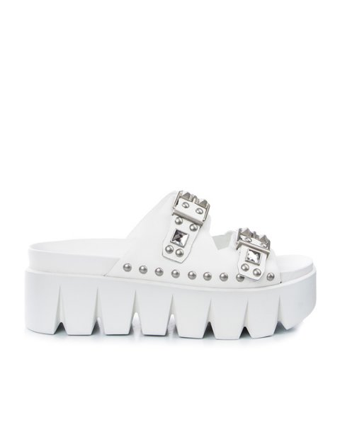 сандалии на толстой тракторной подошве; декорированы металлической фурнитурой артикул RIDER марки ASH купить за 7400 руб.
