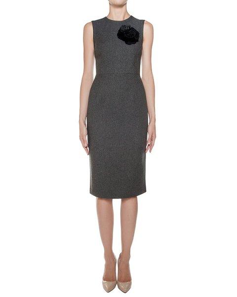 платье футляр из плотного трикотажа, украшено нашивкой в виде цветка артикул RYAN721025Z марки P.A.R.O.S.H. купить за 25400 руб.