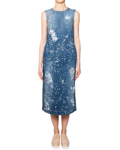 платье из плотного денима декорировано кристаллами из горного хрусталя и потертостями артикул S16MAB351JAT марки Marcobologna купить за 51500 руб.