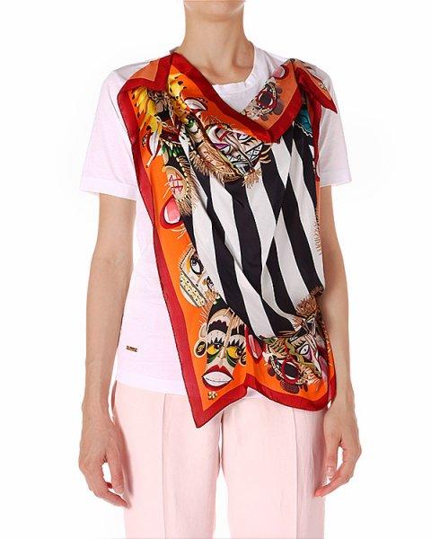 футболка с шелковым платком в стиле