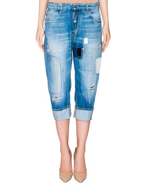 джинсы укороченные boyfriend из плотного денима с заплатками артикул S72LA0720 марки DSQUARED купить за 37300 руб.