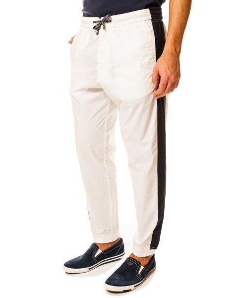 брюки спортивного кроя на кулиске с контрастными лампасами артикул VNP12 марки EMPORIO ARMANI купить за 4700 руб.