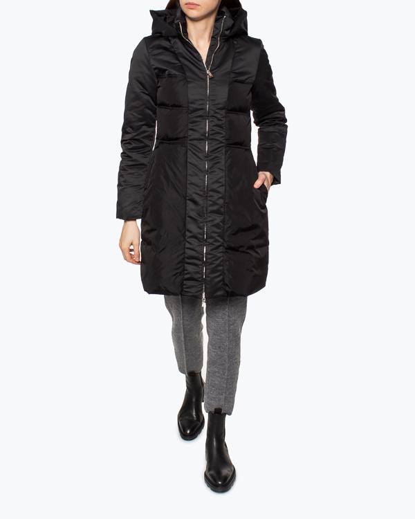 Женская пуховик ADD, сезон: зима 2021/22. Купить за 53700 руб.   Фото 1