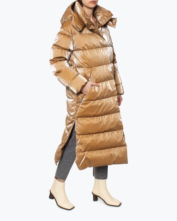 Женская пуховик ADD, сезон: зима 2021/22. Купить за 75900 руб. | Фото 1