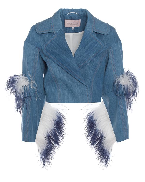 The Coat из денима с отделкой страусиными перьями артикул  марки The Coat купить за 24800 руб.