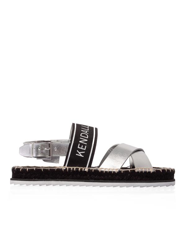 Kendall+Kylie из серебряной кожи с плетеной отделкой артикул  марки Kendall+Kylie купить за 12300 руб.
