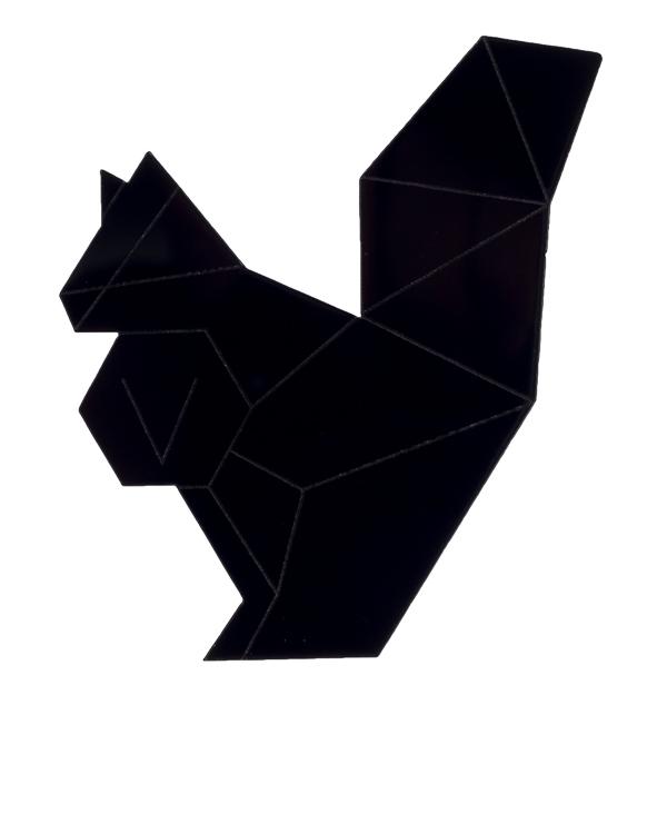 PAROLE by Victoria Andreyanova из пластика в виде графичной белки артикул  марки PAROLE by Victoria Andreyanova купить за 1300 руб.