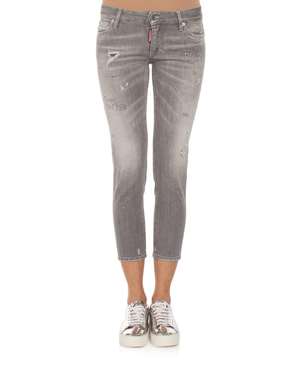 женская джинсы DSQUARED2, сезон: зима 2018/19. Купить за 7400 руб. | Фото 1
