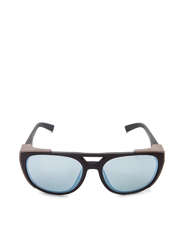 очки выполнены из запатентованного материала Mylon; безвинтовой шарнир; ручная работа артикул SYLVAIN марки MYKITA купить за 40400 руб.